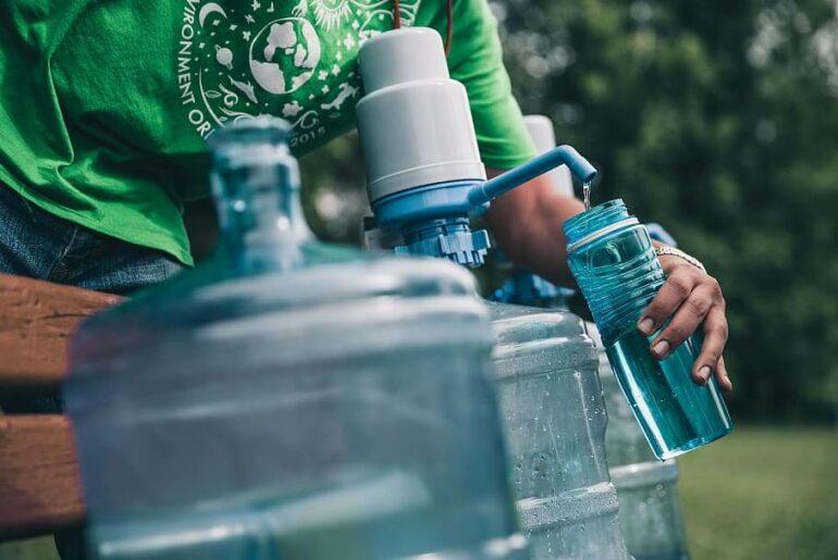 mitra usaha air minum isi ulang
