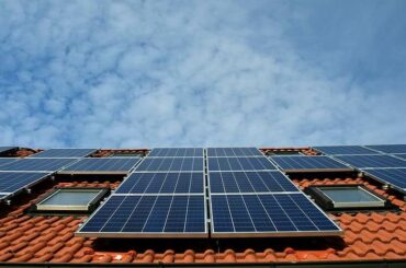 solar panel di atap rumah