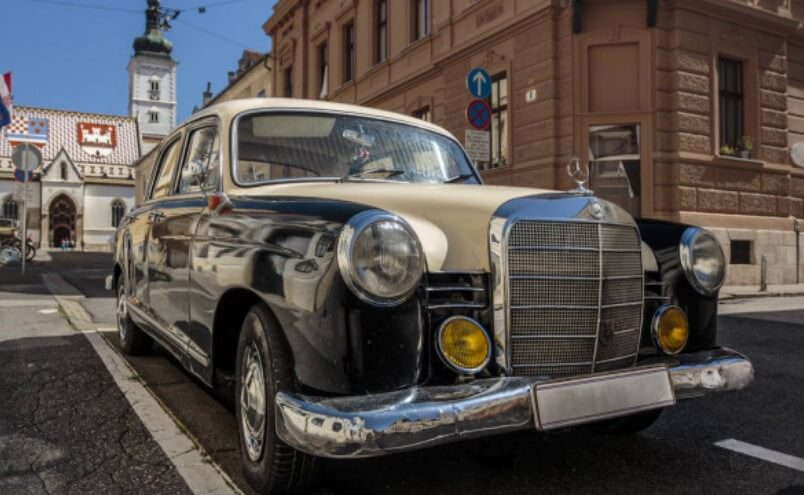 Mobil Mercedes Era 70 An